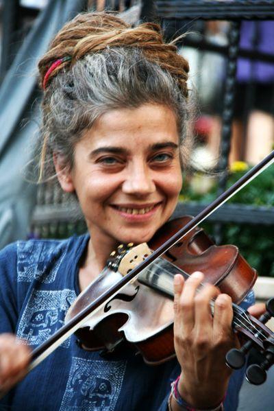 фото цыгане со скрипкой гонять бездорожью