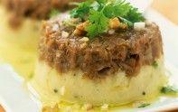 Suivez la recette du chef Cyril Lignac pour préparer un délicieux parmentier de queue de bœuf. A vos fourneaux les amis.
