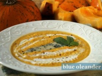 Pumpkin soup with gorgonzola