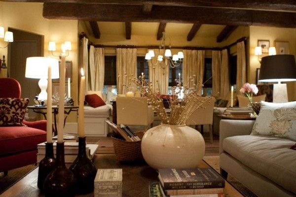 Modern and cozy cottage. I don't like Twilight but the interior of Bella and Edward's house in breaking dawn is fabulous. Thank you, incessant commercials!