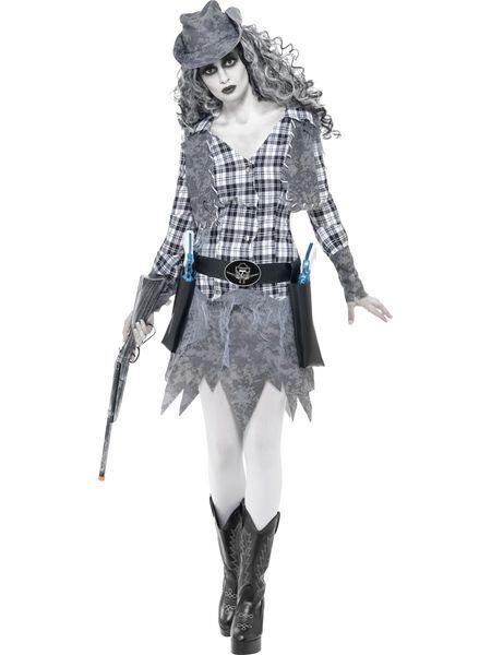 Tämä cowgirl on tullut Halloweenjuhliin suoraan Aavekaupungista. Harmaasävyinen asu on hyvännäköinen kokonaisuus ja oheistuotteista löytyvillä ihomaaleilla voit viimeistellä naamiaisasukokonaisuutesi vaikka hieman zombietyyliin. Tässä naamiaisasussa voit järjestää vaikka rodeoshown tai muuten vain juhlia toisten Halloweenbilettäjien seurassa. Sisältää: - liivi - mekko - vyö - hattu