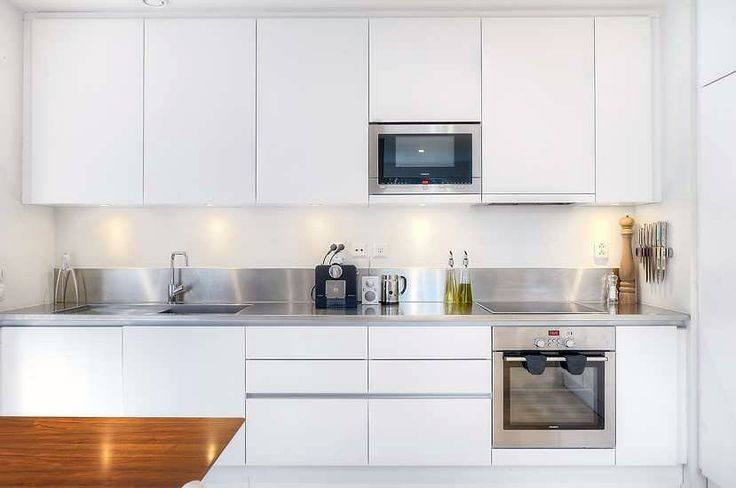 No handles, stainless steel benchtop