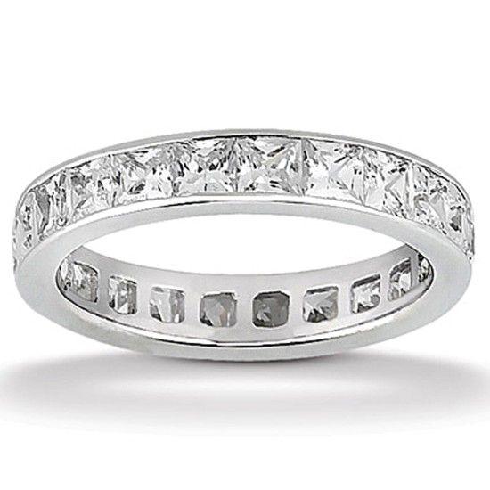 Evighetsring med 3.40ct Prinsesslipade Diamanter