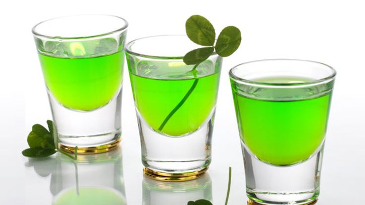 Perfect St Patrick's Day Cocktails: It's St Patrick's Day and whilst the date is specifically an Irish celebration it's grown over the centuries into a worldwide event that every man and his dog gets involved in. Many choose to celebrate by remembering some long-lost Irish heritage, donning a novelty Guinness hat, and having a good old-fashioned booze-up and so it's with this in mind we bring you our rundown of Perfect St Patrick's Day Cocktails…