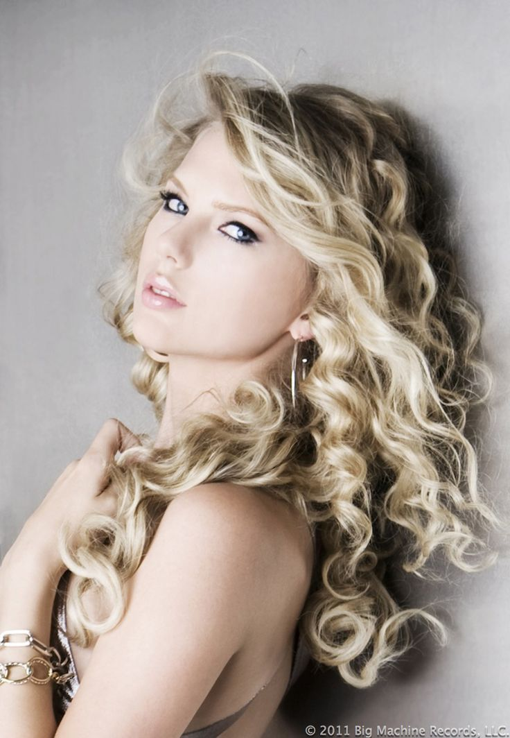 26 Taylor Swift Hairstyles - Celebrity Taylor's Hairstyles Pictures