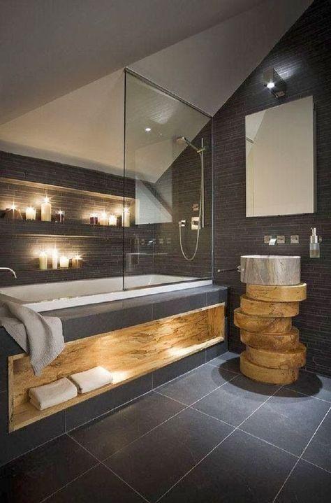 Salle de bain sobre, moderne et design avec bois massif et schiste noir. #déco