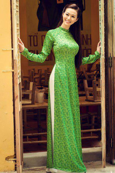 Ngắm mỹ nhân Việt đẹp dịu dàng trong tà áo dài - Sao - Zing News