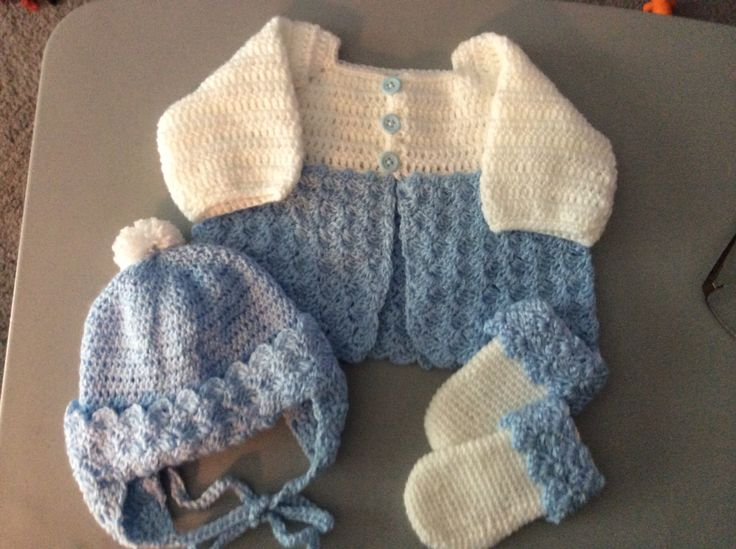 Free Crochet Patterns For Baby Boy Outfits : 1644 best images about Crochet Baby Sweater Sets on ...
