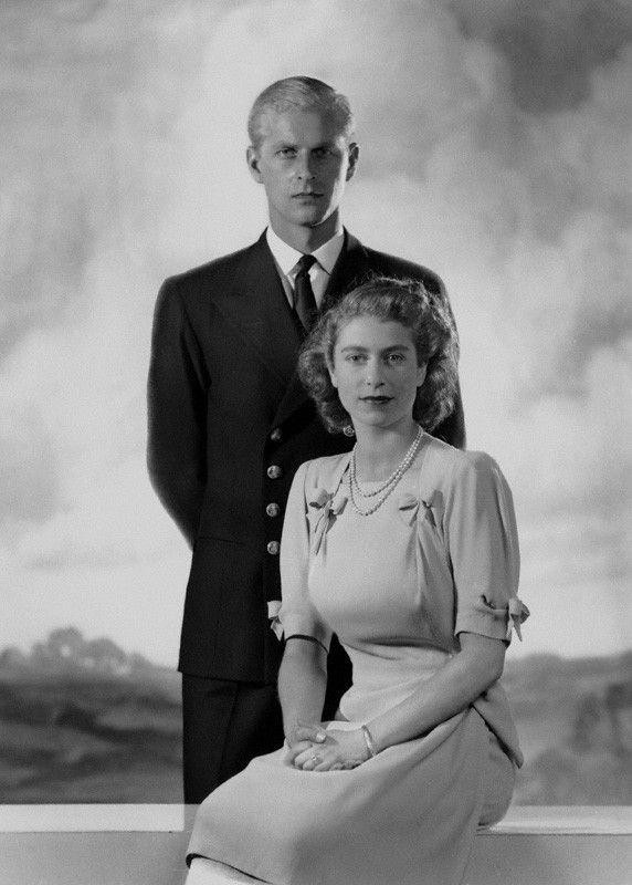queen elizabeth engagement portrait