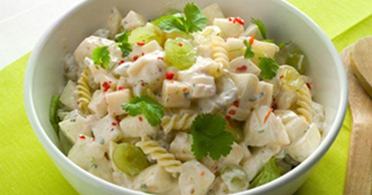 Maukas ja ruokaisa salaatti. Sopii hyvin esimerkiksi lounaaksi töihin.