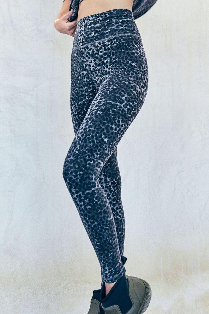 cc022eeb3d6d LEOPARD LEGGINGS Anthracite Leopard | FALL '18 | Leopard leggings ...