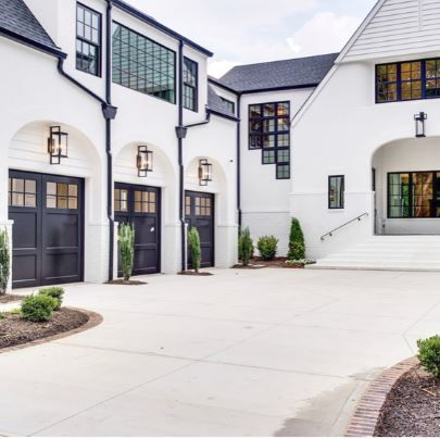 Garage And Windows Modern Farmhouse Style For My Home