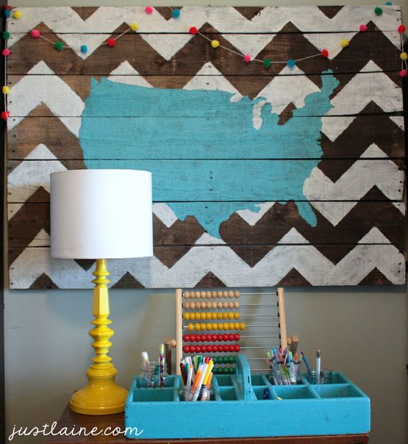 DIY USA Pallet Art, full tutorial.  Would be cute to do with just one state. Or the whole world.