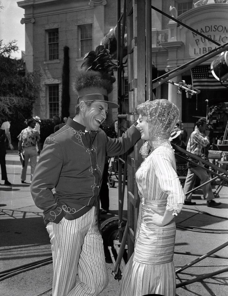 Shirley Jones and Robert Preston in The Music Man