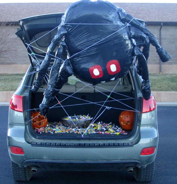 15 Amazing And Scary Car Trunk Halloween Decoration Ideas