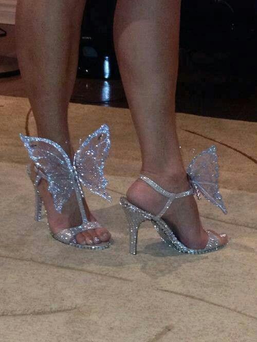 Om my God! I soooo want a pair of these!! Too cute!!