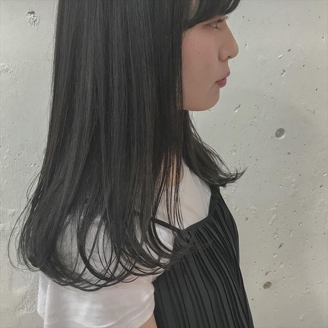 暗め青めの髪色 ネイビーアッシュ のヘアカラーサンプルまとめ
