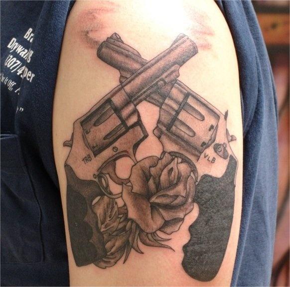 Tattoos, Guns, Roses, Tatting