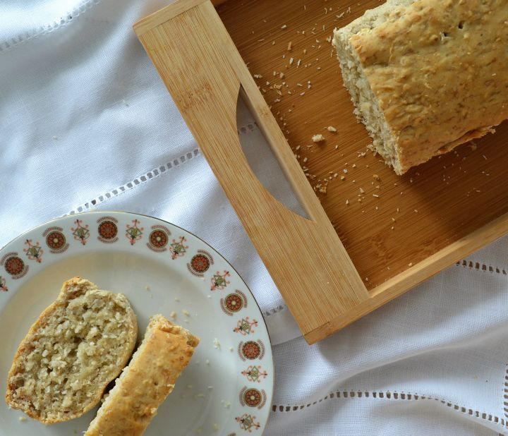 Máš v rodine celiatika, alebo vegána? Priprav na raňajky tento banánový chlieb a určite sa zavďačíš všetkým. Aj tím, čo milujú pečivo!