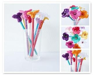 Cute Pencil Topper Flowers! Free Pattern.