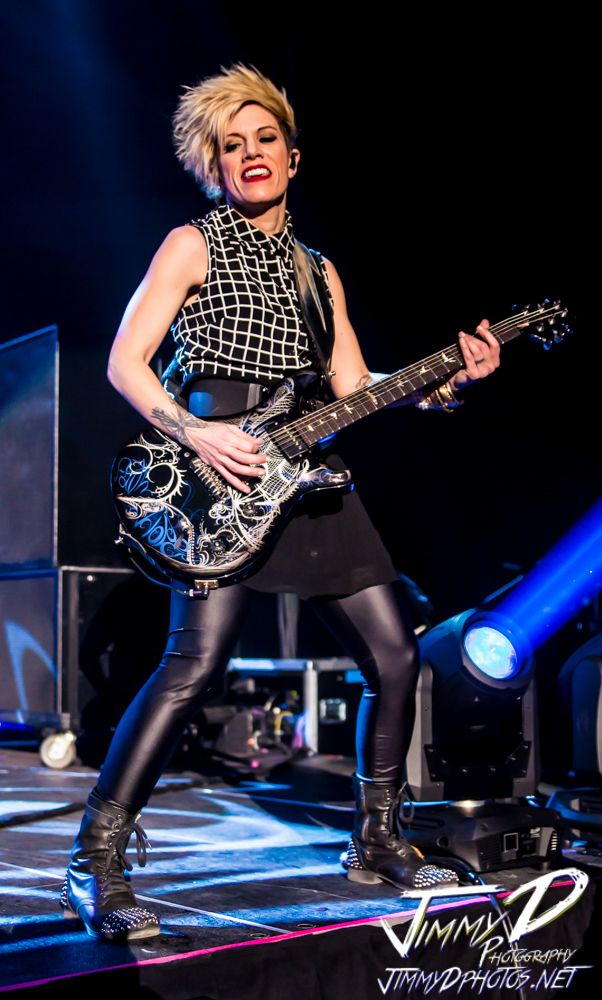 HER GUITAR IS AWESOME