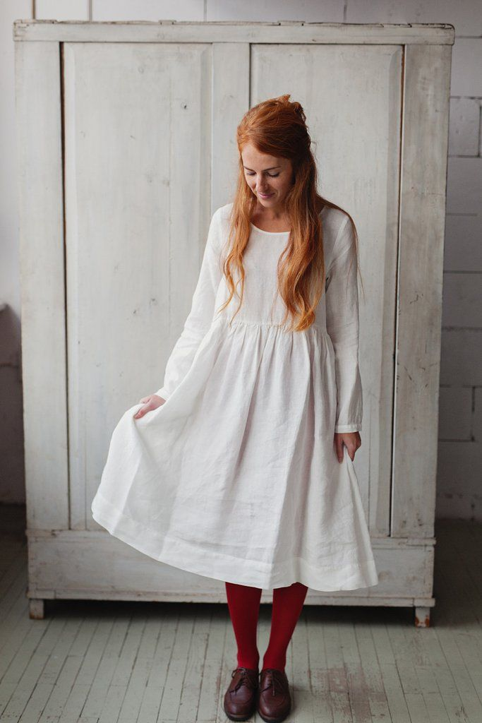 WHITE MAGNOLIA Smock Dress, long sleeves. Eerbare kleding. Eng. Modest clothing. Fr. Vêtement modeste. Du. Bescheidene Kleidung. Sp. ropa modesta. Ru. Скромная одежда.