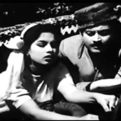 The 9 films Guru Dutt produced between 1953 and 1964: Baaz (1953) - Geeta Bali Aar Paar (1954) - with Shyama Mr and Mrs '55 (1955) - with Madhubala C.I.D. (1956) - Dev Anand and Waheeda Rehman Pyaasa (1957) - with Waheeda Rehman Kaagaz Ke Phool (1959) - with Waheeda Rehman Chaudhvin Ka Chand (1960) - with Minoo Mumtaz Sahib Bibi Aur Ghulam (1962) - with Meena Kumari