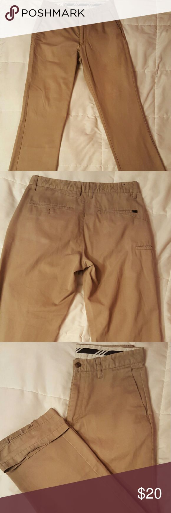 PRICE DROP! Men's Khaki pants 32x30 PRICE DROP!! Men's Volcom Khaki pants. Good condition. 32x30. Open to offers!! Volcom Pants Chinos & Khakis
