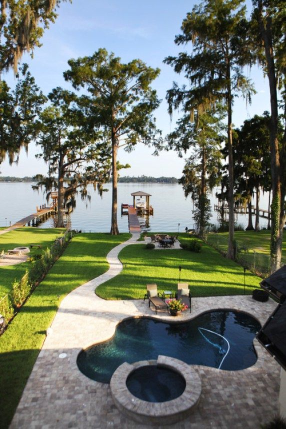 19 backyards that will blow your mind