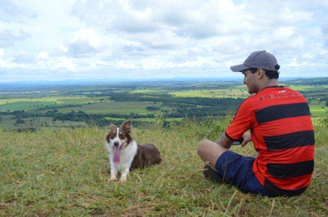 Trilha de 8 km no Morro do Ernesto foi mais divertida na companhia dos cachorros