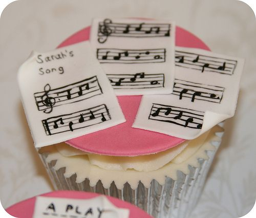 sheet music: this would actually be beautiful done with real (vintage) sheet music printed onto edible paper.