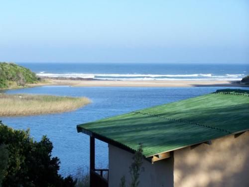 Accommodation - Self Catering - Eastern Cape - Sunshine Coast - East london - this is total relaxation, away from it all.