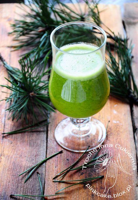 Zielony koktajl z sosny