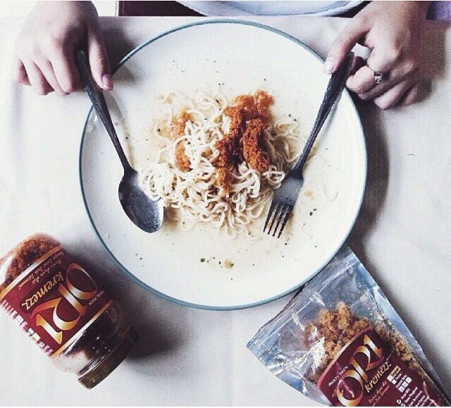 Makan tapi berasa kurang kriuk kriuk? Tambahin @orikremezz aja! Photo credit @jasmineheryanto. Lokasi: Jakarta