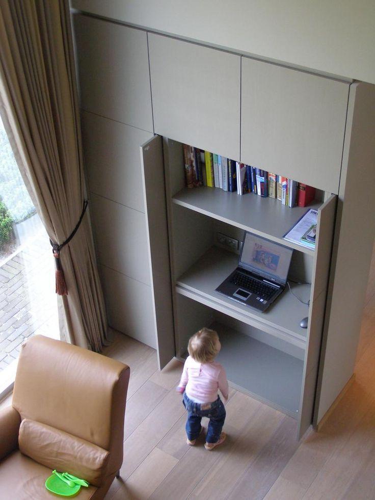 sliding doors desk in cupboard – Paul Dirkmaat