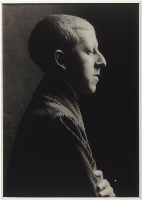 Claude Cahun, Self-portrait, 1919