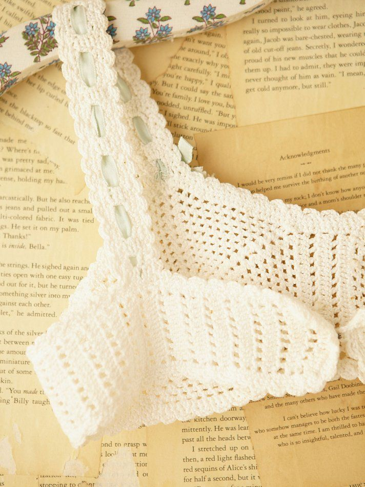 free-people-white-vintage-crochet-bralette-product-4-2717773-872393638.jpeg (712×950)