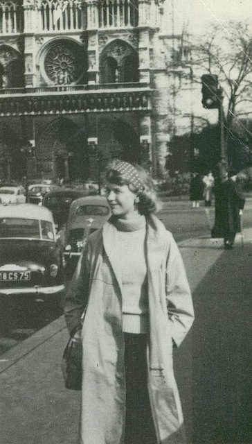 a biogrphy of sylvia plath a brilliant poet and writer from massachusetts Sylvia plath: biography massachusetts, to be near aurelia plath's she was a published author her first poem was printed in the boston herald when she was.
