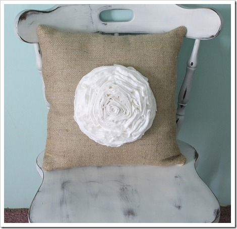 How to make the big fat flower pillow - The Shabby Creek Cottage
