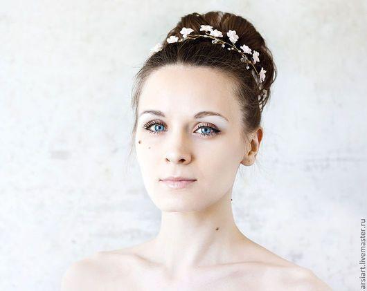 decorações de casamento feitas à mão.  Mestres Fair - feito à mão.  Compre Decoração para o penteado noiva.  grinalda-de-rosa com flores .. Handmade.