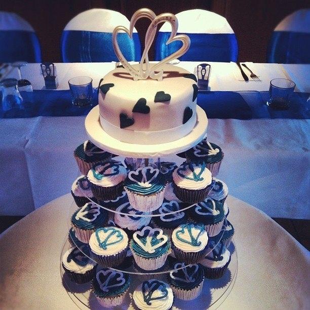 Love Heart Wedding cupcakes