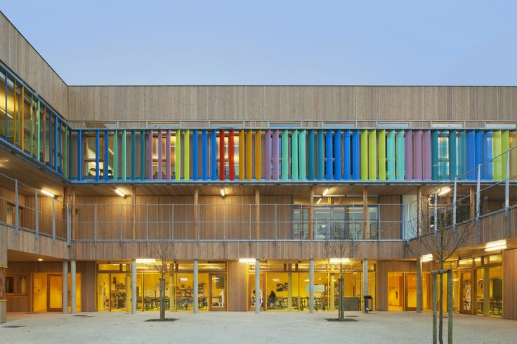 Architects: R2K Architectes Location: Limeil-Brevannes, France Architect In Charge: Veronique Klimine, Olavi Koponen Area: 9,500 sqm Year: 2013 Photographs: Jussi Tiainen