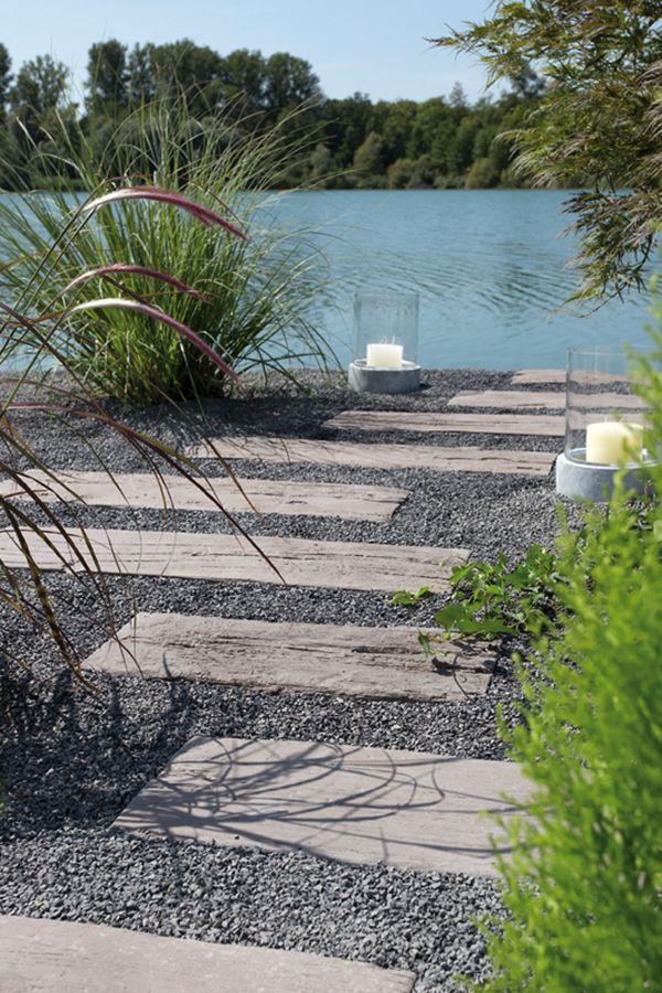 Gartenweg In Holzoptik In 2021 Garten Gartenweg Gartengestaltung