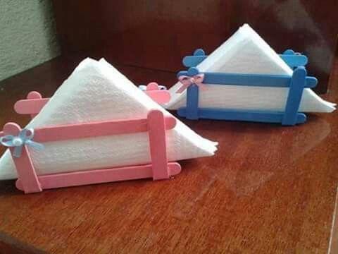 servetstandaars van ijslollie stokjes