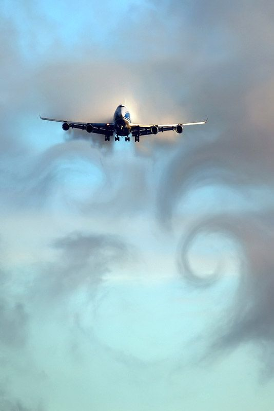 Wing-tip vortices generated by an AirBridgeCargo Airlines Boeing 747 on approach to Sheremetyevo International Airport, Moscow. Photo by Artyom Anikeev.