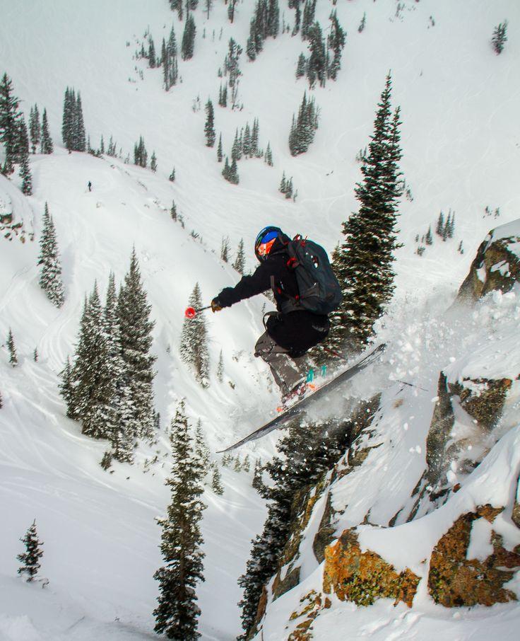 Sam Schwartz | Photo Carson Meyer #alpineskiing #athlete #mountainsports #extremesports #k2skis #mountainathlete #markerbindings #discreteclothing #xtremespots