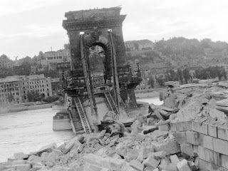 Budapest anno: több, mint nosztalgia...: Buda a bombázások után, 1945