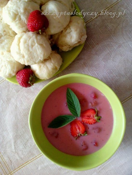 Zupa truskawkowa z bułeczkami na parze PRZEPIS
