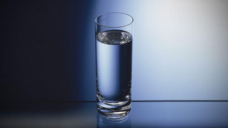 Dan mag je nog je noodvoorraden voedsel, wapens, brandstof op orde hebben, zonder drinkbaar water ga je dood.