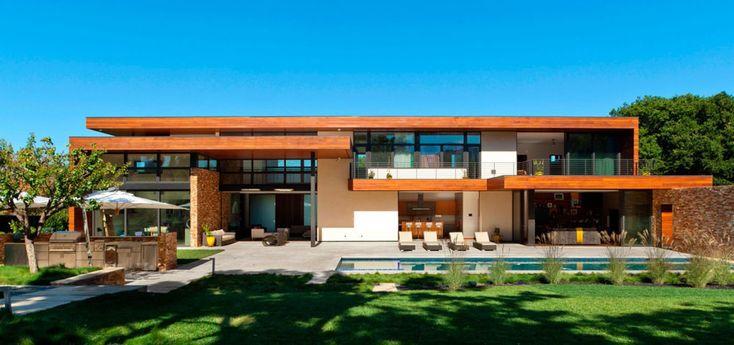 http://www.impressiveinteriordesign.com/a-jewel-lost-in-the-sand-by-swatt-miers-architects/